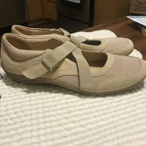Naturalizer COMFY Velcro shoes size 9